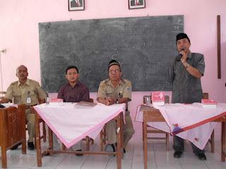 Naskah Pembawa Acara MC Acara Pertemuan Wali Murid dan Komite Sekolah