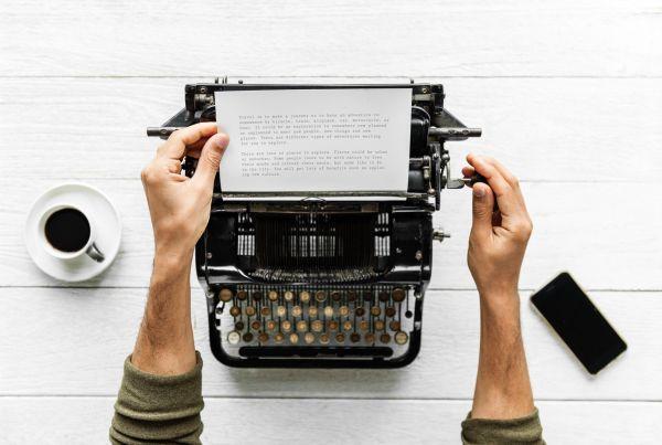 jak zarabiać na blogu, czy da się zarabiać na blogu, ile można zarobić na blogu, copywriting, teksty na zlecenie