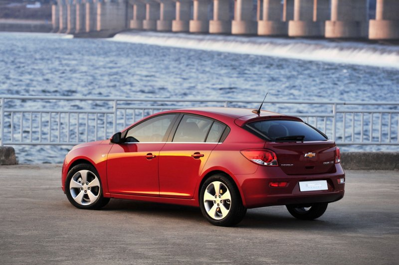 Chevrolet Cruze Hatchback >> Car Auto Design A Photograph Of The 2012 Serial Chevrolet