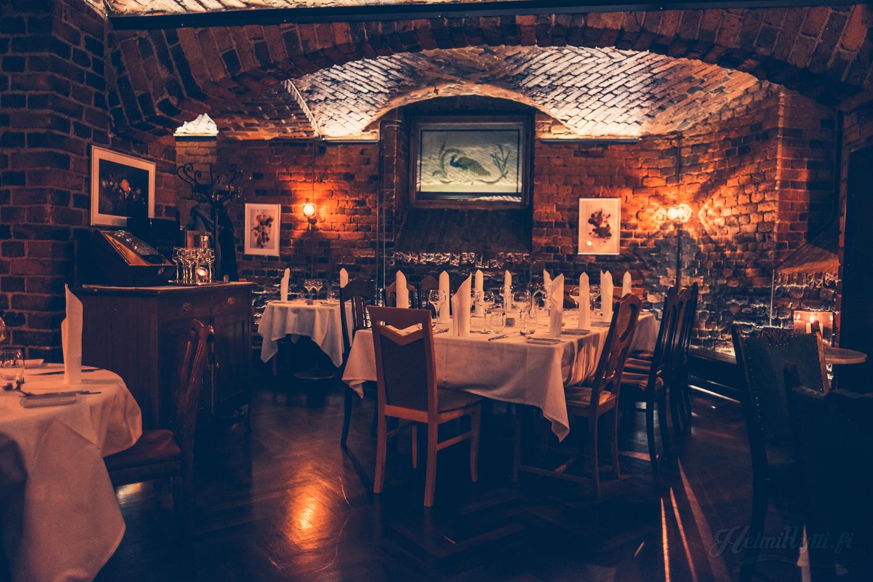 ravintola-tiiliholvi