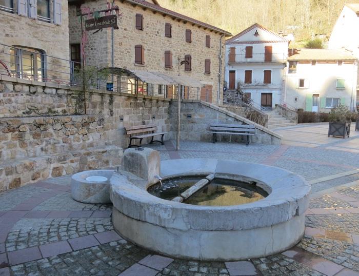 Fontaine d'eau chaude