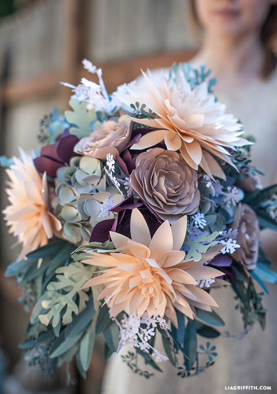 Kwiaty z papieru, kwiaty diy, Dekoracje ślubne DIY, Inspiracje Ślubne, jak zorganizować ślub DIY, Pomysły na ślub i wesele DIY, Ślub DIY, Ślub i wesele z pomysłem, Trendy Ślubne 2017