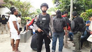 Densus 88 Tangkap Terduga Teroris Penjual Makanan Ringan.