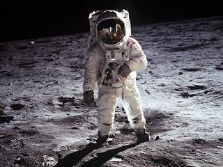 """Demam Film """"Found Footage"""" - Apollo 18"""