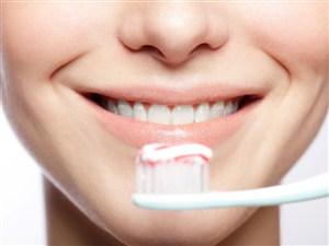 Memiliki bibir yang sehat dan merah mungkin merupakan salah satu dambaan bagi setiap oran 18 Cara Memerahkan Bibir Secara Alami dan Mudah