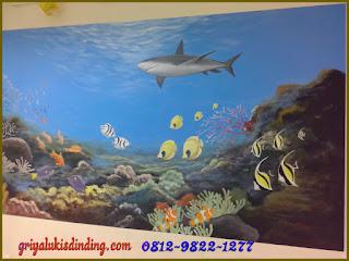 mural lukis dinding pemandangan bawah laut keren