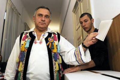 Gheorghe Funar, pamflet, dákoromán elmélet, szír menekültek, Cațavencii,