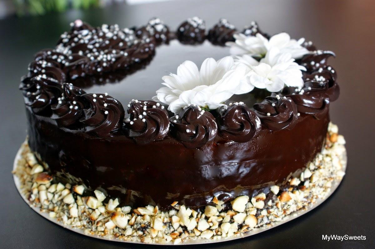 tort czekoladowy z migdałami