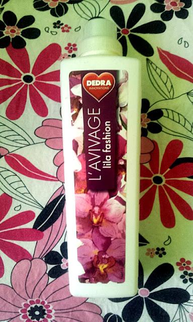 Płyn do płukania tkanin L'AVIVAGE o zapachu lilli marki Dedra