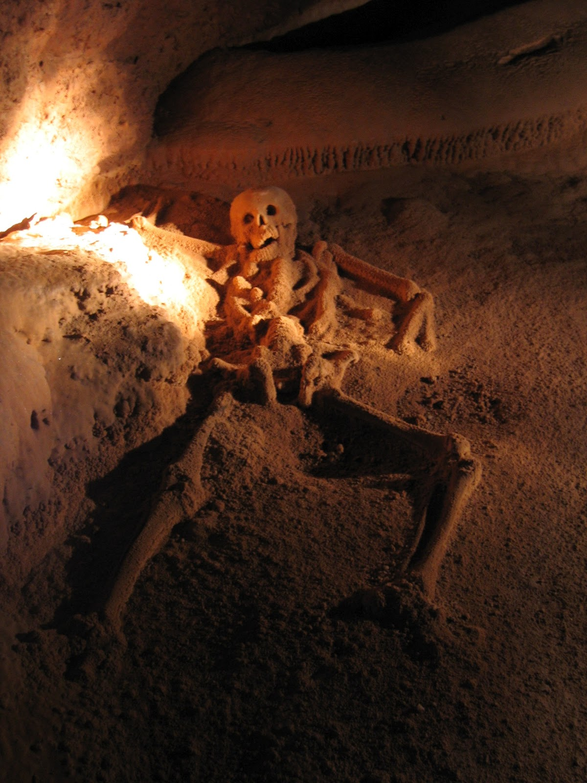 Uma descida ao inframundo na GRUTA MAIA Actun Tunichil Muknal (ATM) | Belize