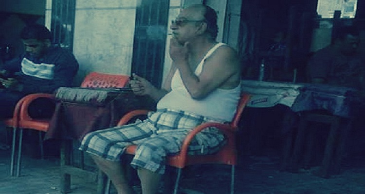 النجم أحمد راتب يظهر بالفانلة في مقهى شعبي و السبب أغرب من الخيال