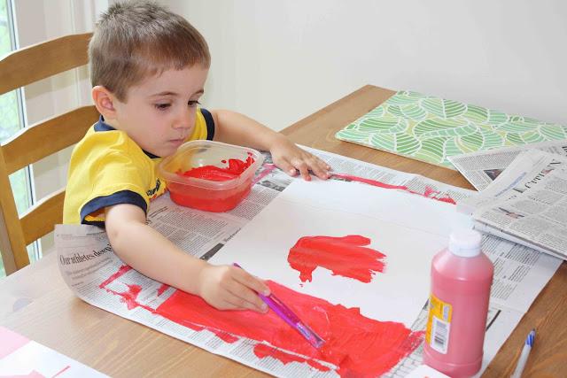 dạy vẽ cho trẻ em tại trường mầm non
