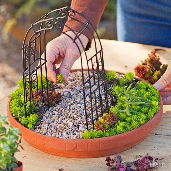 The 50 Best Diy Miniature Fairy Garden Ideas In 2017: DIY Miniature Succulent Garden