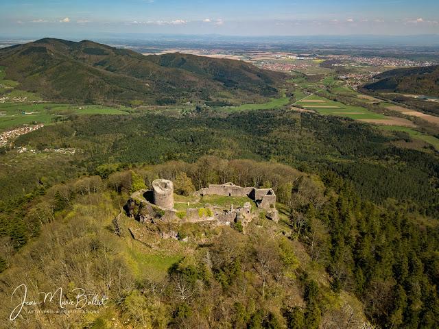 Château du Frankenbourg (12e-16e s.). Haut château et basse cour sud [2018].