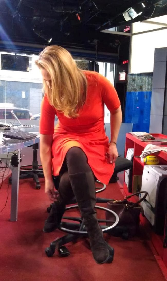the appreciation of booted news women blog   michelle