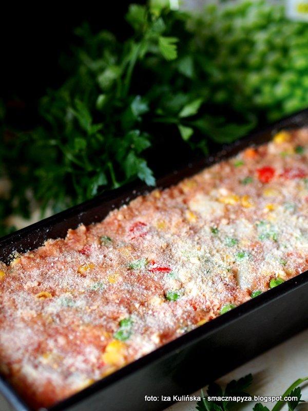 keks wytrawny, keks z miesa i warzyw, z warzywami, mieso i warzywa, mrozonki, kolorowa pieczen, z piekarnika, na kanapki