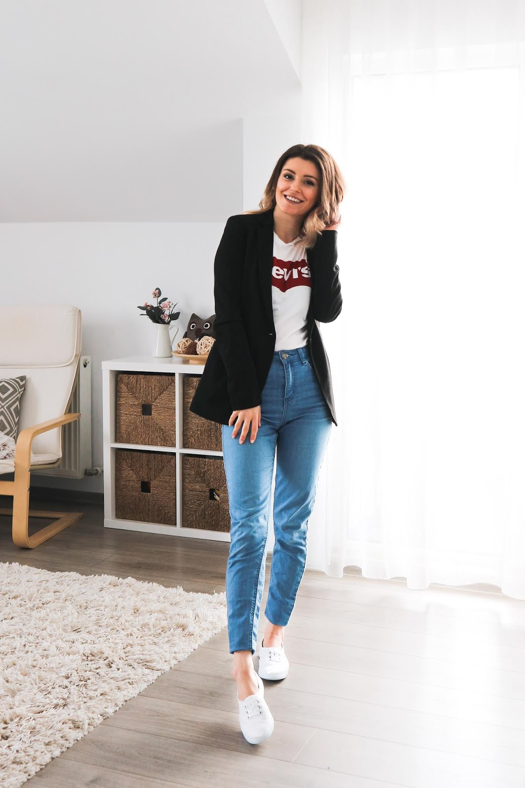 Levi's logo t-shirt outfit with jeans