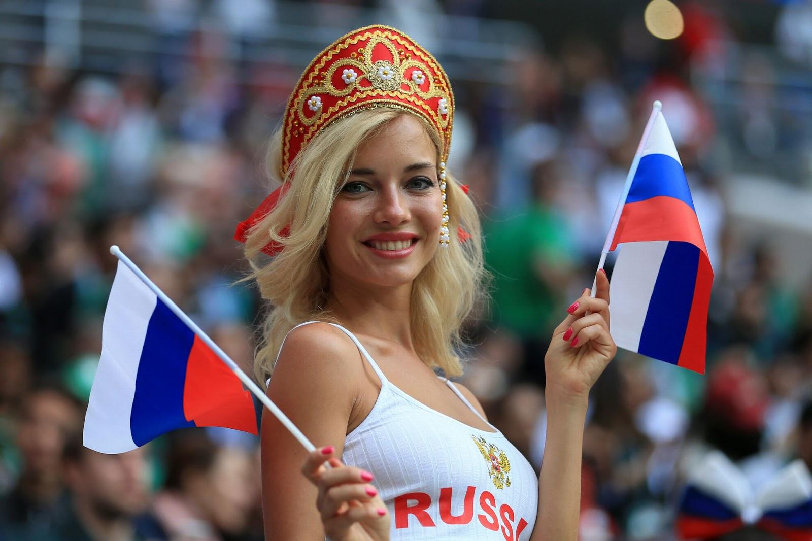 Gini Nih 7 Pesona Delillah G, Suporter Seksi Rusia yang Ternyata  Begini Aksi Suporter Seksi 10 Negara Peserta Piala Dunia 2018