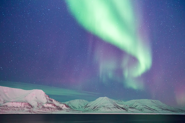 Isole Svalbard aurora boreale