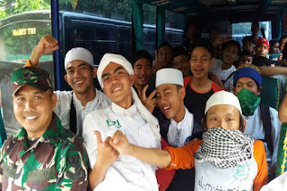 TNI Kerahkan 30 Bus Antar Pendemo Aksi Damai