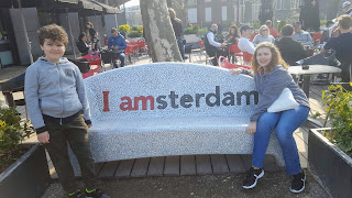 Top Ender and Dan Jon at a I Amsterdam bench