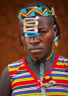 Tribu de Etiopía recicla