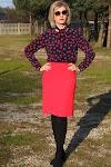 Czerwona spódniczka w duecie z wiązaną bluzką :)