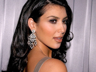 Kim Kardashian Normal Resolution HD Wallpaper 6