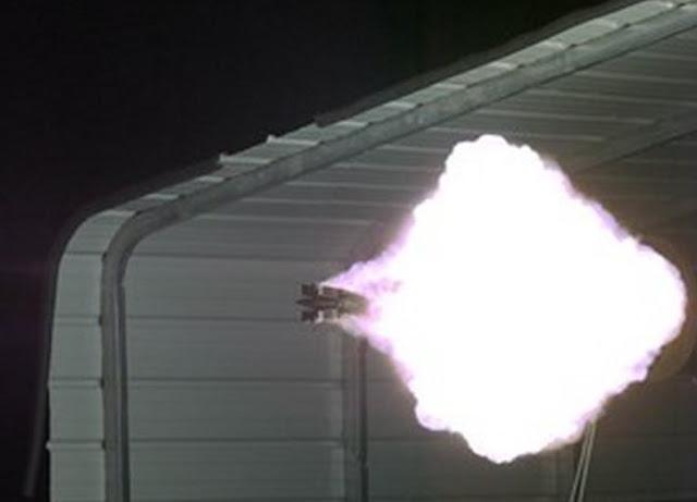 Senjata Railgun menggunakan Proyektil Hipersonik yang Mematikan