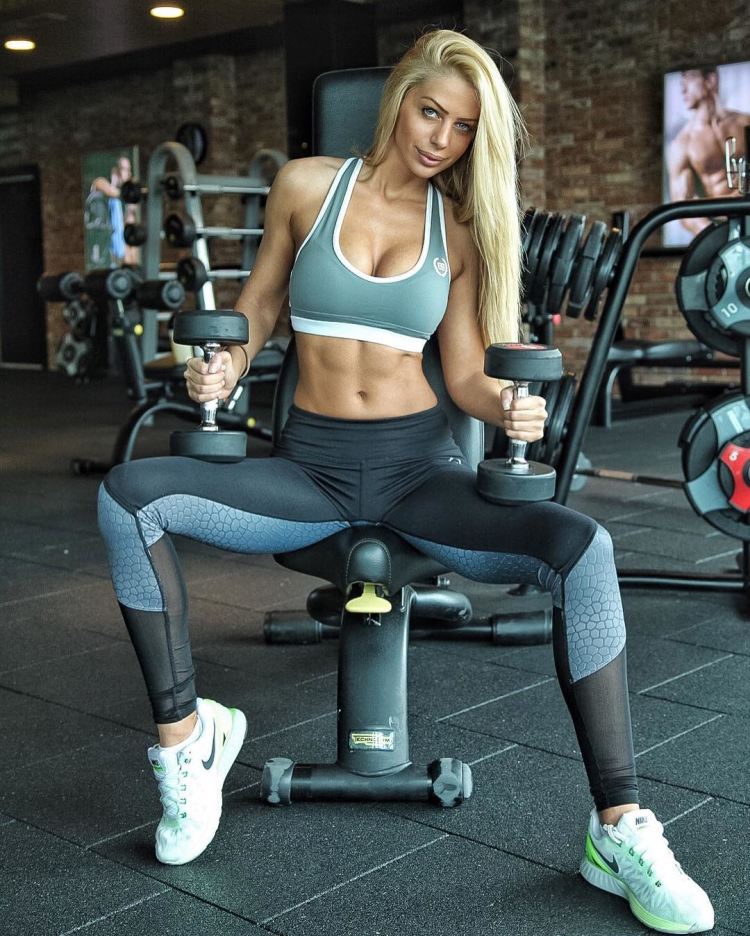 Fitness Model Yanita Yancheva 9