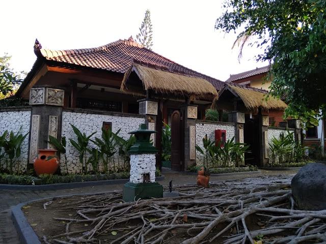 A Cottage Hotel in Kuta Beach