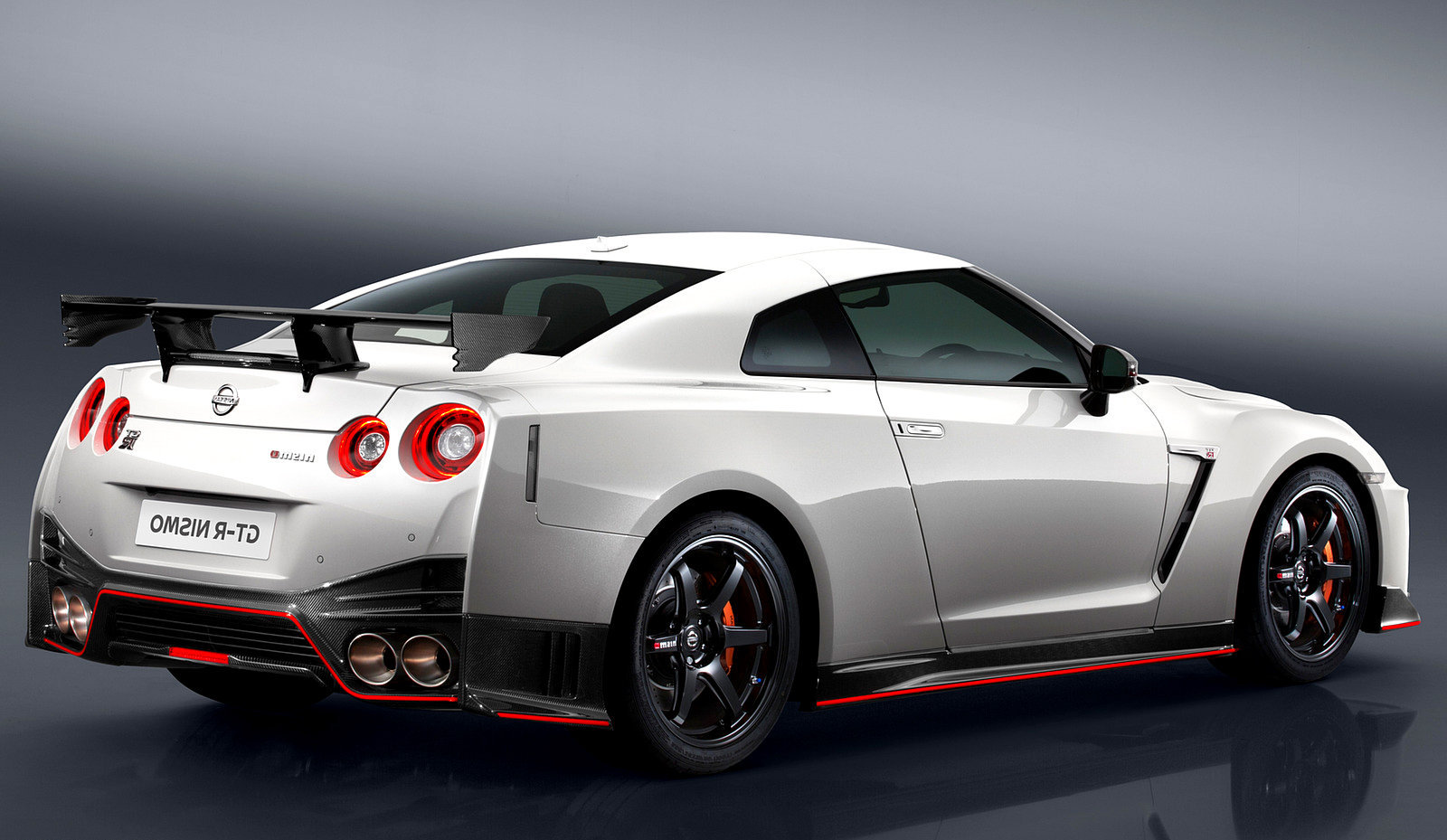 Attractive 2017 Nissan GT R NISMO White Rear Wallpaper