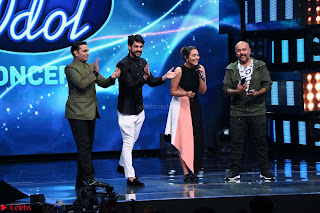 Sonakshi Sinha on Indian Idol to Promote movie Noor   IMG 1615.JPG