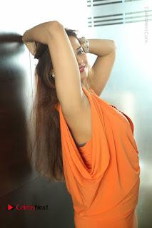 Actress Saloni Aswani Pos in Short Dress at Meelo Evaru Koteeswarudu Movie Interview  0249.JPG