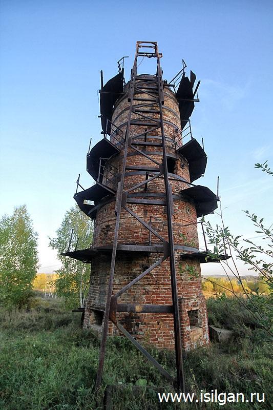 Известковая шахтная печь. Поселок Мурзинка. Свердловская область