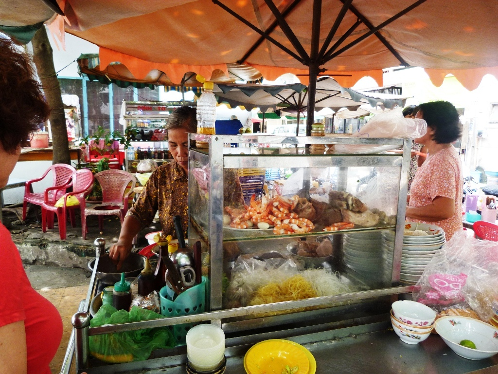 nomadosophy vietnam saga street food rewarding experience. Black Bedroom Furniture Sets. Home Design Ideas