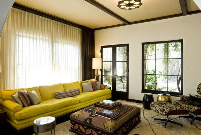 sala marrón amarillo