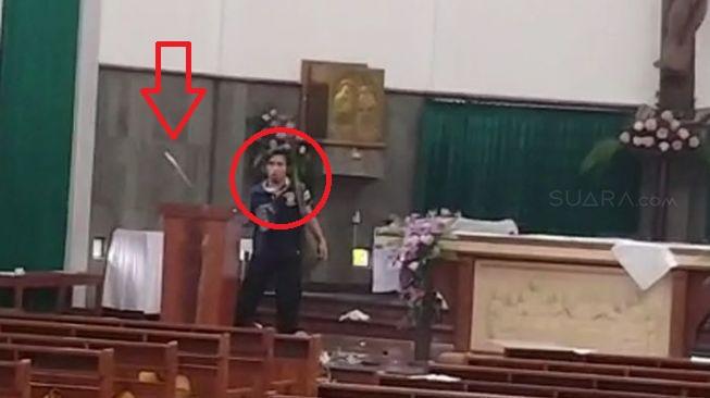 Terungkap Identitas Pria Dalam Aksi Penyerangan Saat Misa di Gereja Santa Lidwina, Yogya
