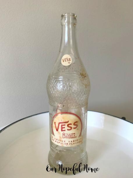 Vintage Vess Billion Bubble Beverage bottle soda pop