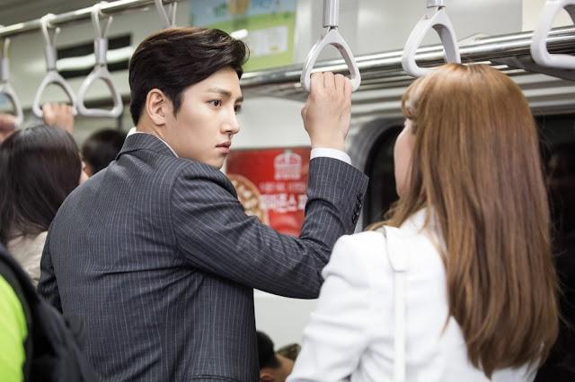 Lần gặp đầu tiên bất thường của Ji Chang Wook và Nam Ji Hyun đã được tiết lộ trong loạt ảnh mới cho bộ phim