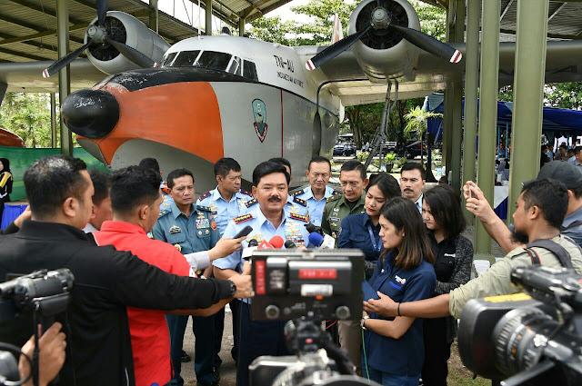 Panglima TNI Ngopi Bareng Para Pemred di atas Udara