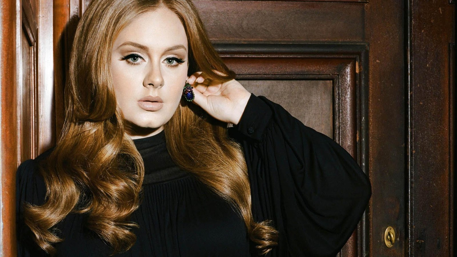 Hollywood: Adele Profile, Biography, Beautiful Pictures