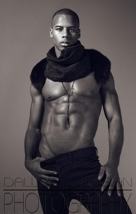 HOT BLACK MEN: Justin Shaw