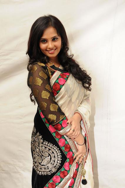 Tamil Actress Aarushi Saree Photos