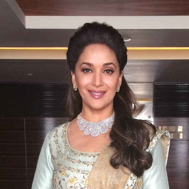 madhuri-dixit-turns-51-celebs-wish-lady-with-golden-smile