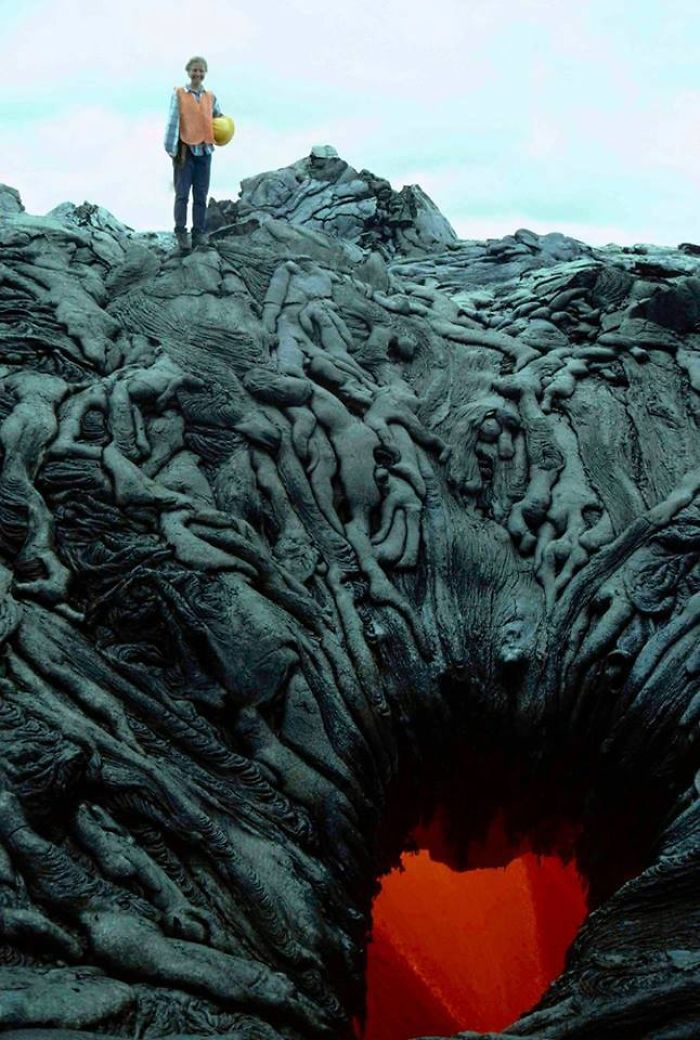 36 Unbelievable Pictures That Are Not Photoshopped - Lava That Formed To Look Like A Pile Of Bodies Being Sucked Into The Fiery Void Of Hell