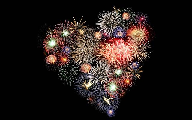 Vuurwerk in de vorm van een liefdes hartje