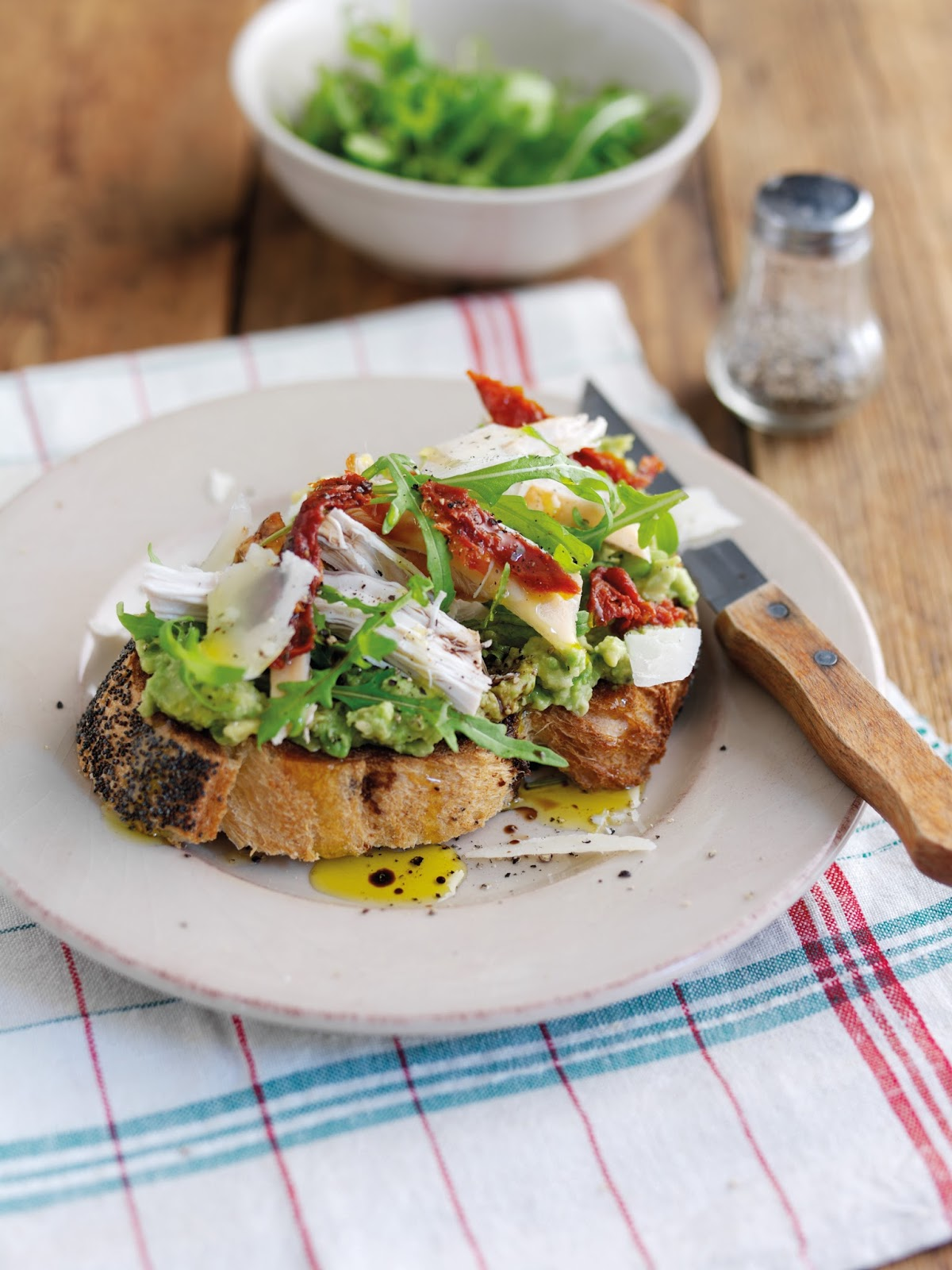 Avocado Brunch Spread To Try Out This Lunchtime