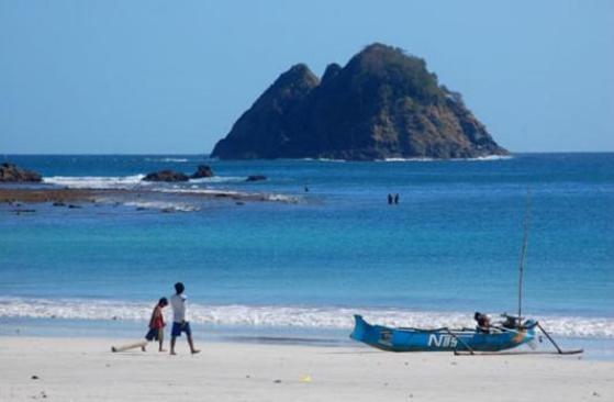 Fenomena Misteri Pulau Gunung Wayang Di Lombok Yang Terkenal Angker