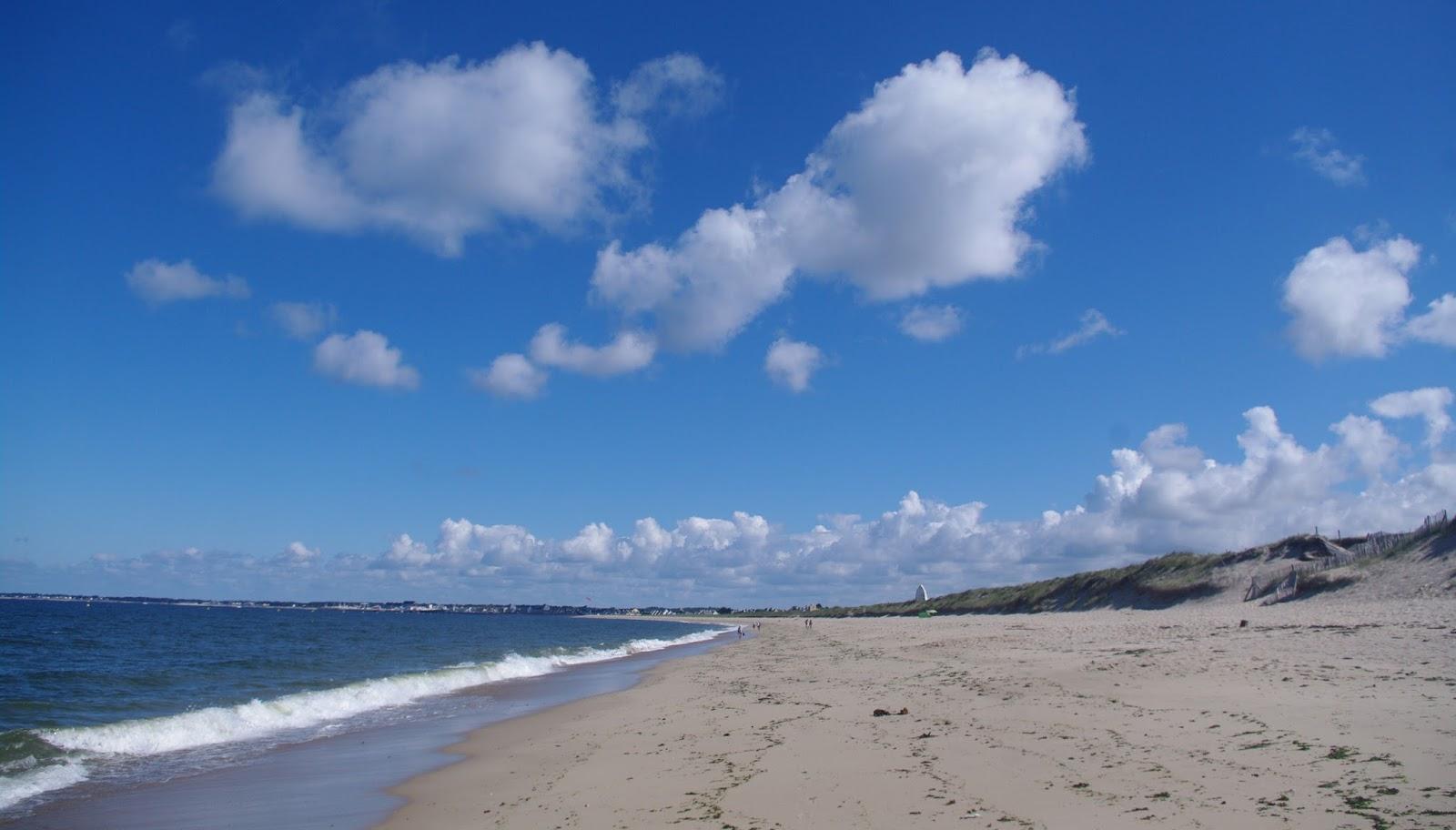 images de france   la turballe entre plage et marais salants
